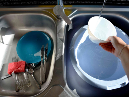 Faire la vaisselle